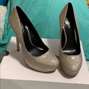 Brand new Gold sparkly heels